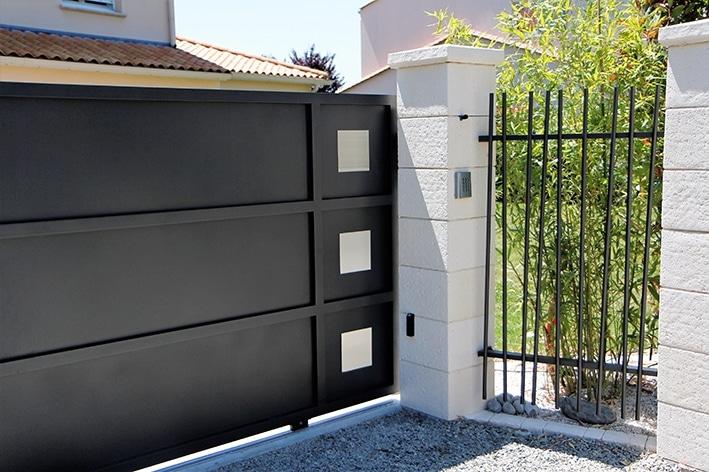 Collection mikado api 44 portail motorisation porte de for Motorisation portail de garage