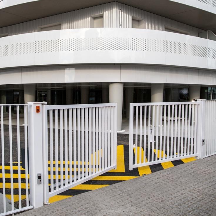 porte pivotante exel api 44 portail motorisation porte de garage. Black Bedroom Furniture Sets. Home Design Ideas