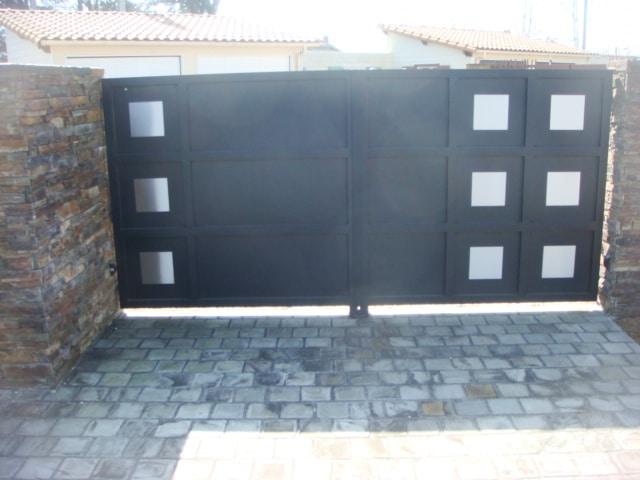 Le coin des bonnes affaires api 44 portail motorisation for Porte de garage 2 vantaux alu